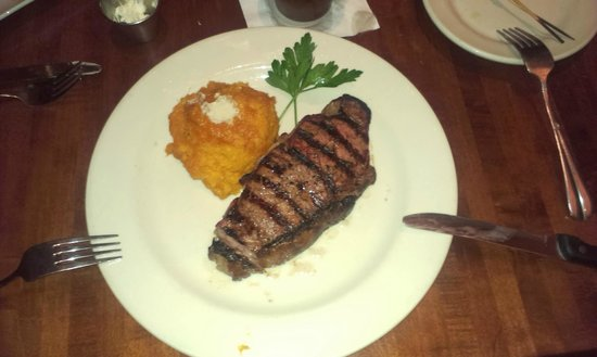 Weber Grill Restaurant: Good meat, great side