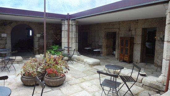 Pousada Convento de Belmonte: Courtyard