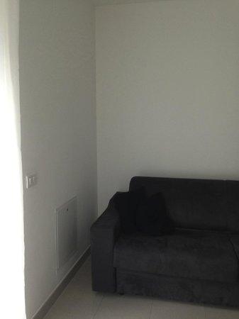 Appartamenti Laly: Salone: divano