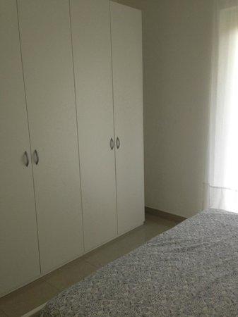 Appartamenti Laly: Camera letto: particolare