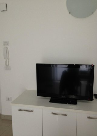 Appartamenti Laly: Salone: tv