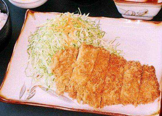 Tonkatsu Ise, Shinjuku Nomura Bldg.: 厚切りのロースカツはいかがですか