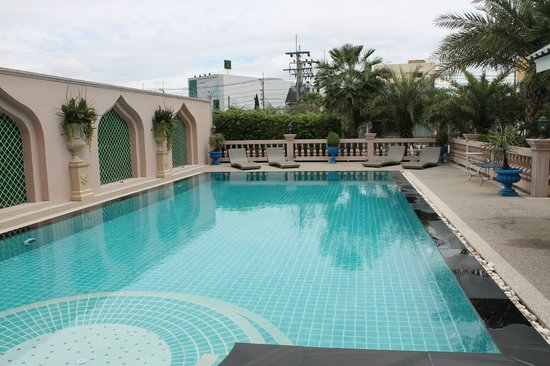 Rasa Boutique Hotel: Pool is nice