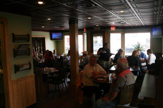 The Glenn : The Dining Room