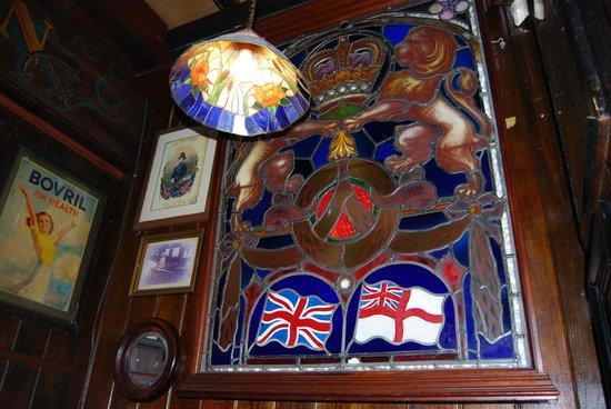 Pusser's: Interior Ornate Work