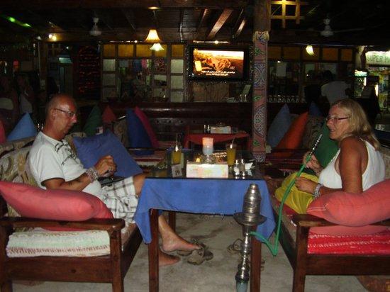 Yalla Bar: by night