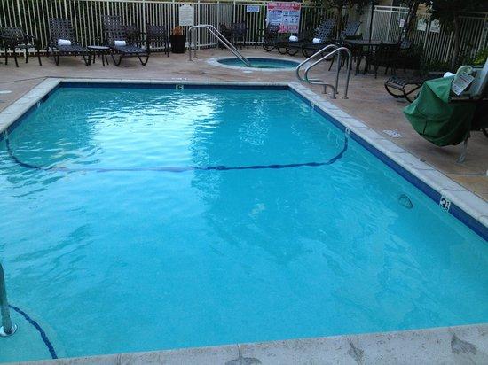 Hilton Garden Inn Calabasas : Pool and SPA