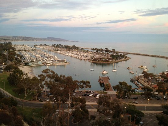 Cannons Seafood Grill: view of Dana Point harbour
