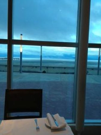 Hotel Dreams del Estrecho: View of Strait at breakfast