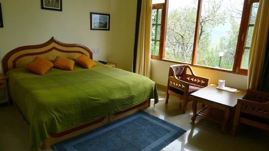 The Manali Lodge: room