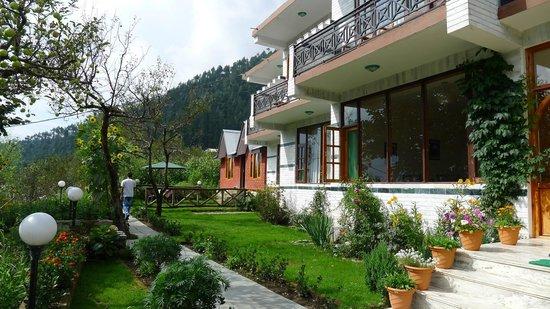 The Manali Lodge: lodge