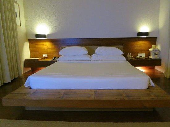 Putahracsa Hua Hin: bed & espresso machine