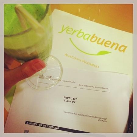 Yerbabuena : BATIDOS VERDES en Yerba buena! :)