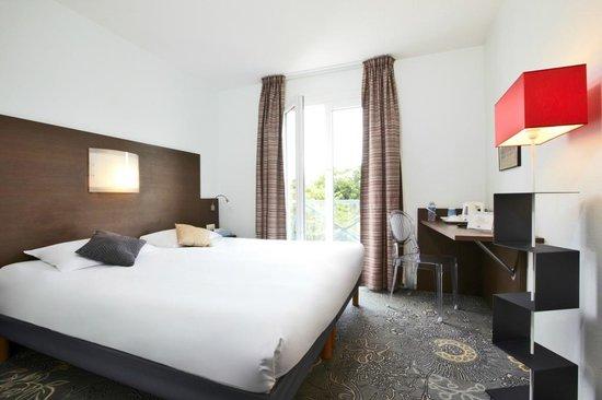 Kyriad La Rochelle Centre : chambre