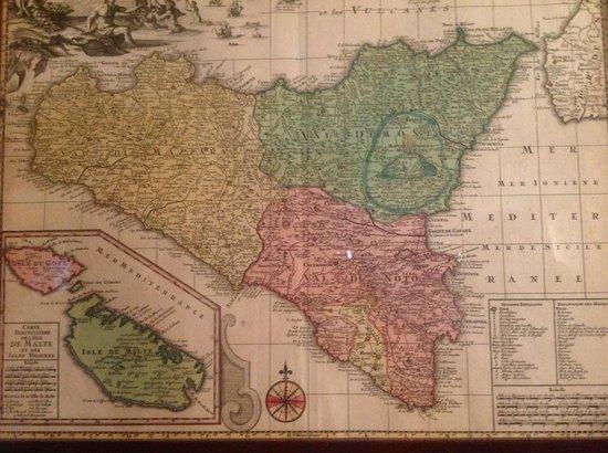 Palazzo Mirto : cartina esposta nella camera da letto dei nobili, secondo piano