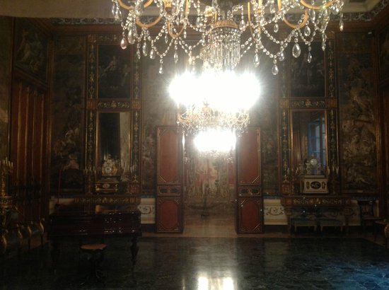 Palazzo Mirto : Salone del baldacchino