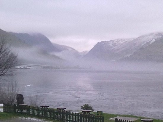 Pen-y-Bont Hotel: Mysterious Mist over Llyn Mwyngil (Talyllyn Lake.)