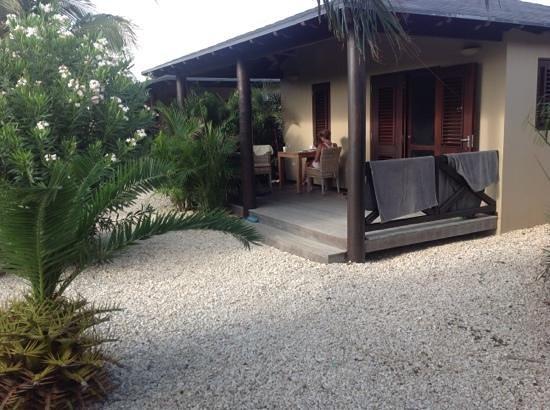 Bridanda Apartments Bonaire: Lekker buiten zitten!