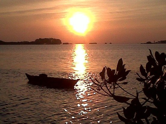 Thousand Islands, Indonesia: beautiful sunset, viewing from the dock edge