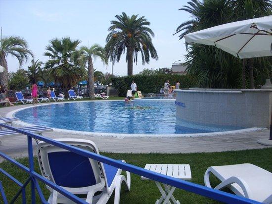 Hotel Jerry: piscina