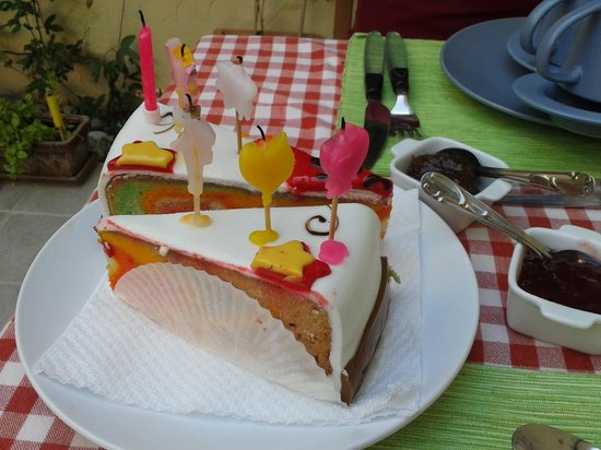 Mia Casa Bed and Breakfast Gozo : ..a little cake