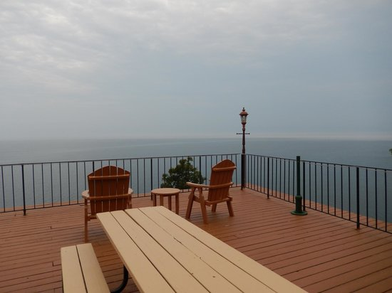 Chateau LeVeaux on Lake Superior: view from common area deck