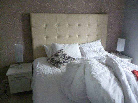 Parkview Hotel: Bett