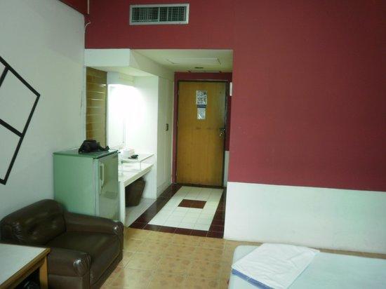 Indra Hotel : Hotel Room