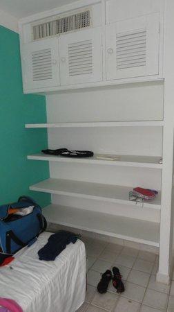 Club Med Rio Das Pedras: Estantes habitación secundaria