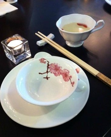 Royal Plaza Restaurant & Takeaway: the most beatiful chinese bone I have never seen before