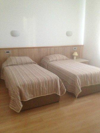 Hotel Porto : Habitación