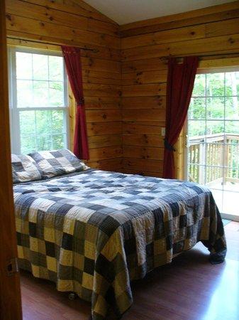 Springwood Cabins: Bedrom #1