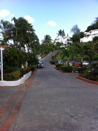 Windjammer Landing Villa Beach Resort: walk down to reception