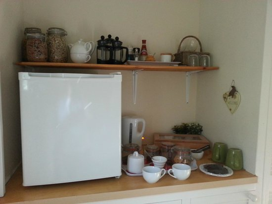 The Studio: Lovely Little Kitchen Area With Everything You Need For Cold  Breakfast!
