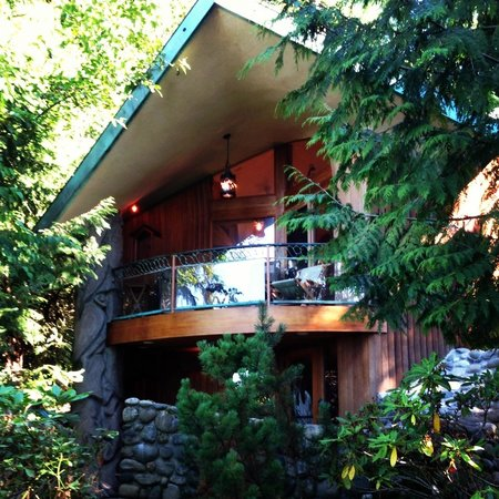 The Salish Seaside Escapes: Heron house