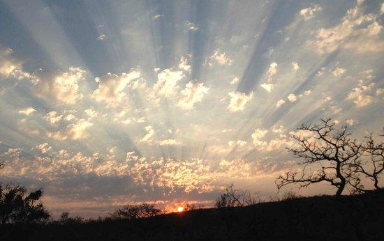 Tshwene Lodge: Waterberg sunset