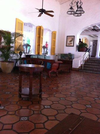 Windjammer Landing Villa Beach Resort: reception area