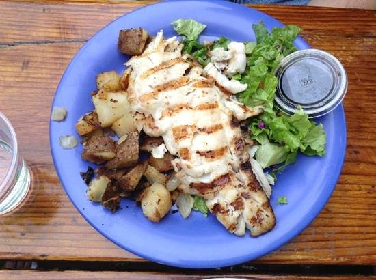 Reel Inn: Red snapper, salad and home fries