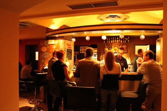 Cafe Foyer: Bar