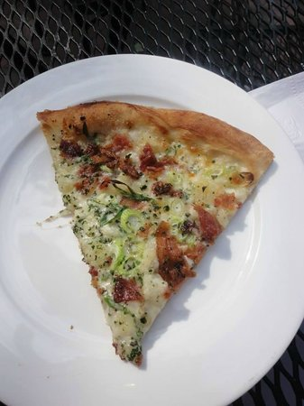 Otto: Mashed potato bacon pizza!