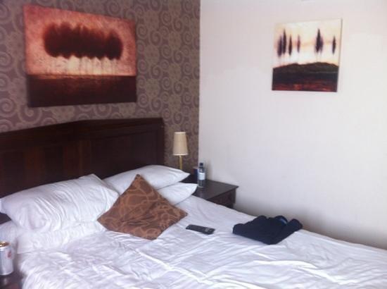Queens Hotel: double bed