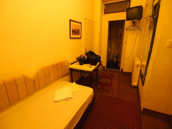 The Jerusalem Hostel: Single Room