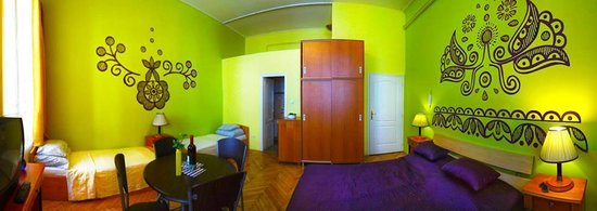 Budapest Budget Hostel: Standard 3 bed private ensuite