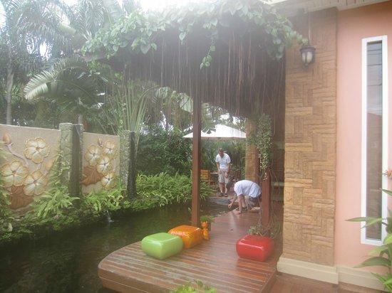 Bussaba Bangkok: Coy pond