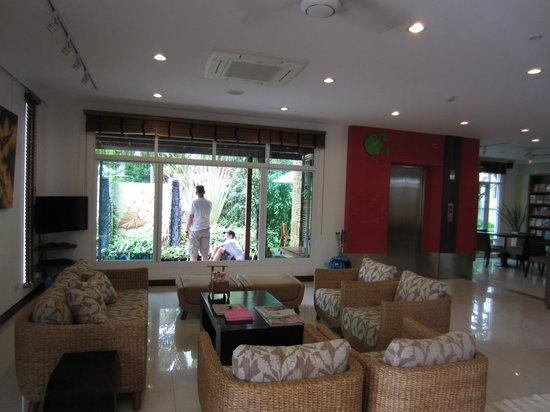 Bussaba Bangkok: The lobby