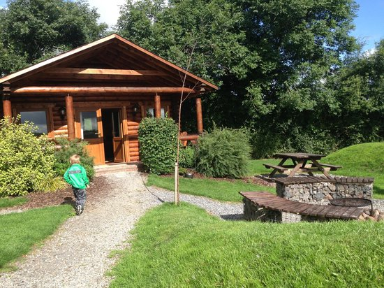 Tepee Valley Campsite: The Log Cabin