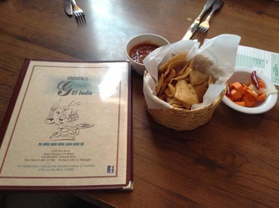 Gilbert's El Indio: Menu, salsa, chips and pickled carrots