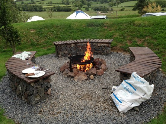 Tepee Valley Campsite: Fire pit