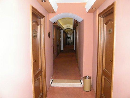 Wawel Hotel : corridoio