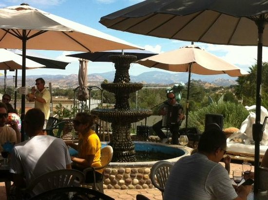 Salerno Winery: Sunday afternoon on the patio